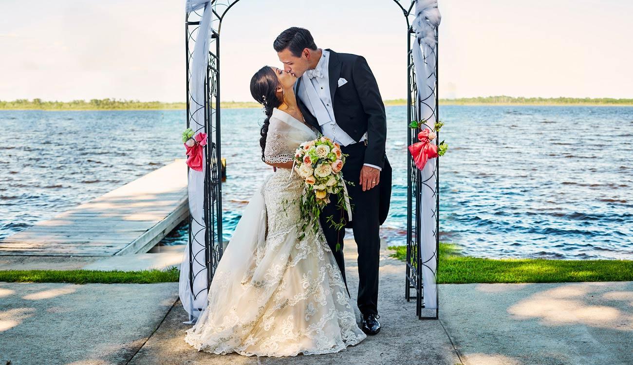 WEDDING PHOTOGRAPHERS WINSTON SALEM NORTH CAROLINA NC